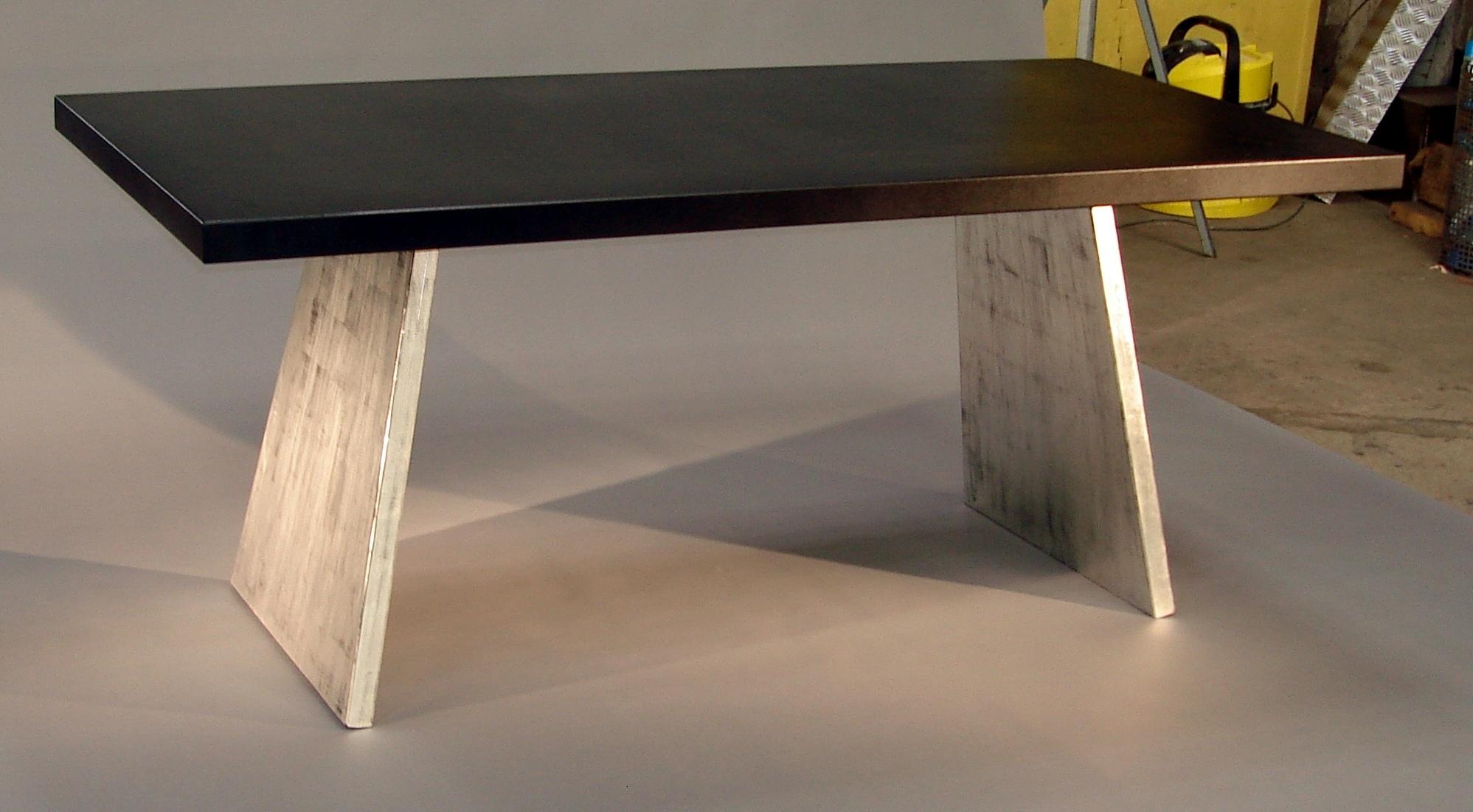 atelier de mainville distribution table metal noire patine or blanc 6. Black Bedroom Furniture Sets. Home Design Ideas