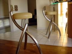 Atelier de mainville distribution mobilier for Tabouret de bar inox avignon