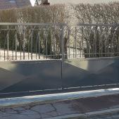 portail-acier-double-barreaudage-coulissant