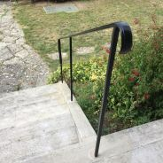 Rampe d'escalier en acier avec crosse