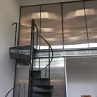 Panneaux coulissants fermés sur mezzanine