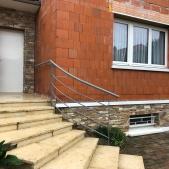 Rampe d'escalier acier cintrée débillardée pose à l'anglaise